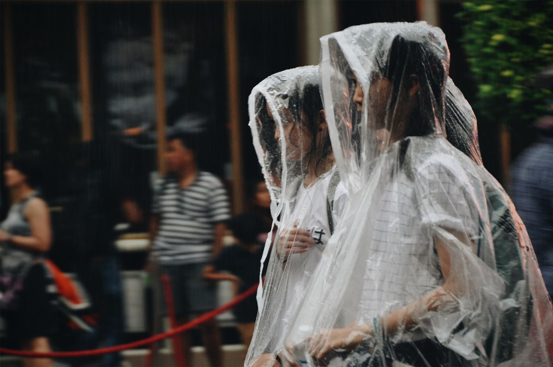 Quần áo mưa Quảng Châu - Nguồn gốc ra đời